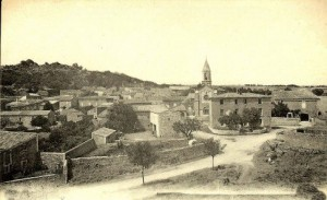 place de l'église, à La Capelle (date ?)