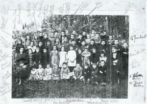 photo légendée des écoliers en 1920